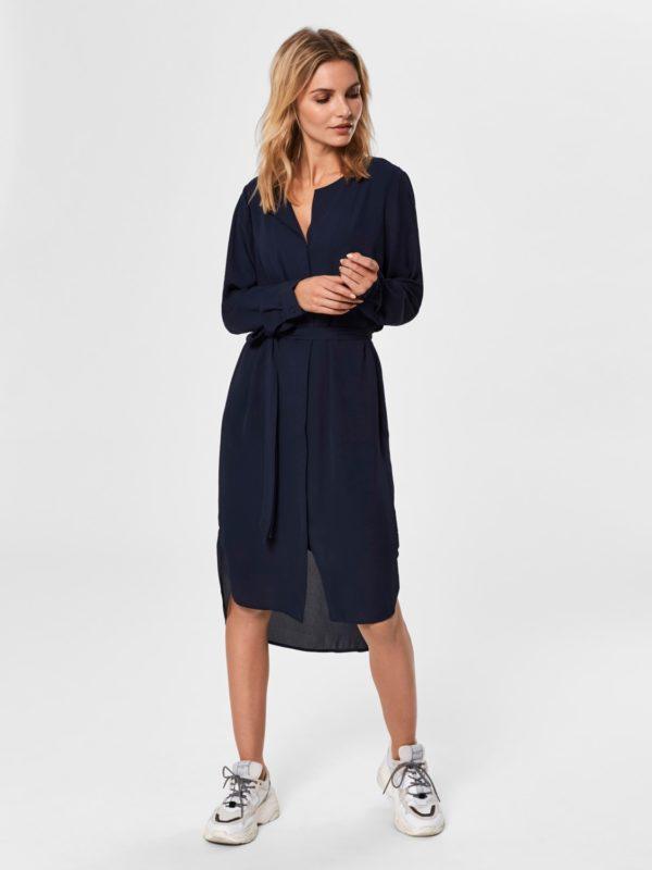 donker blauw kleed