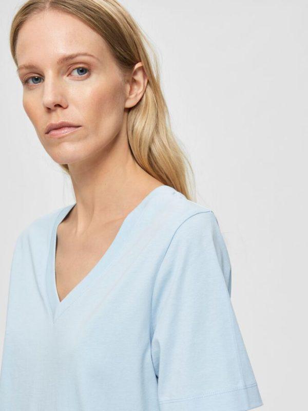 T-shirt v-neck