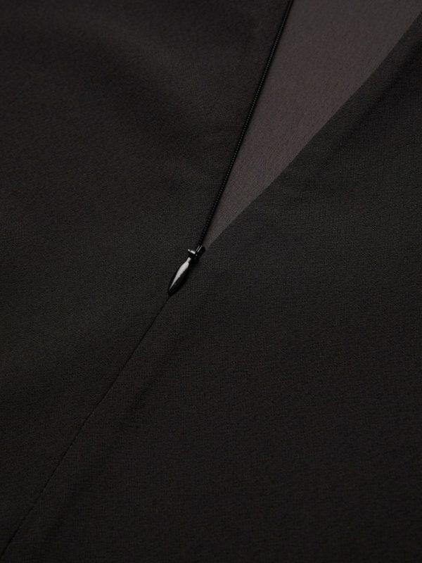 Zwart kleedje